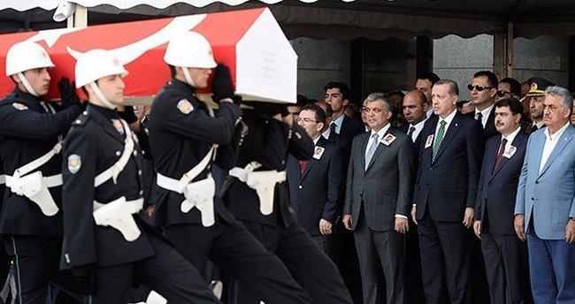 Konyalı Şehit Polis Müdürü Çeken son yolculuğuna uğurlanıyor