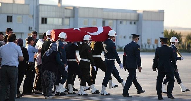Konyalı Şehitin Cenazesi Uçakla Konya'ya Getirildi