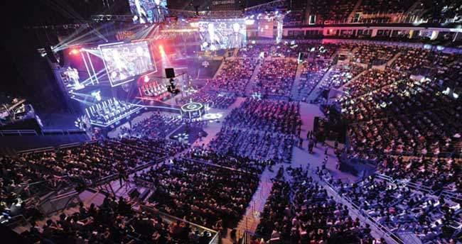 League of Legends Türkiye Büyük Finali'ne 10 bin kişi katıldı