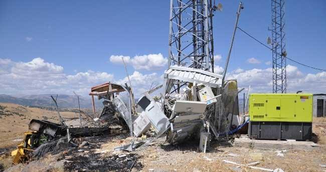 PKK, Tunceli'de cep telefonu vericilerini havaya uçurdu