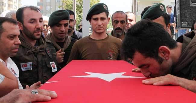 Şehit özel harekat polisini kardeşleri böyle uğurladı