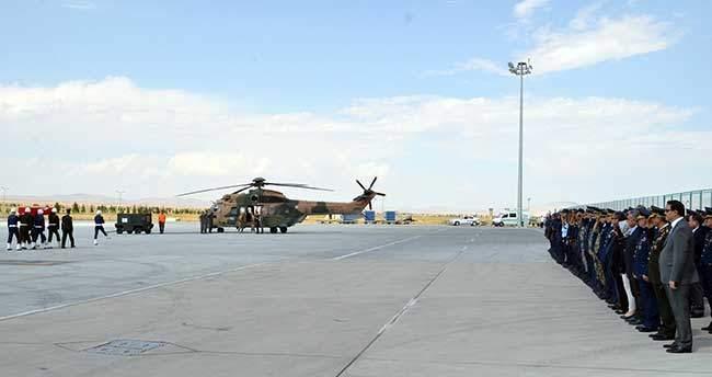 Şehit Taştiken'in cenazesi uçakla Konya'ya getirildi