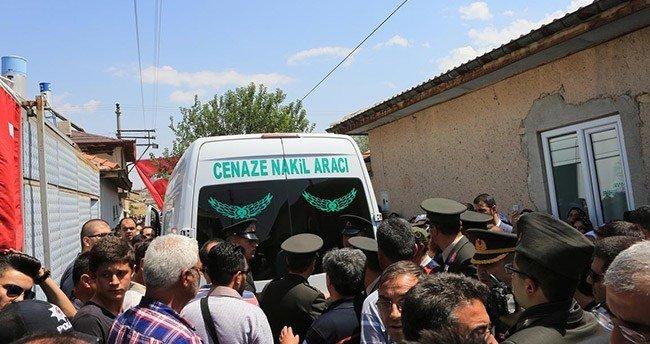 Şehit uzman çavuş Konya'da son yolculuğuna uğurlandı