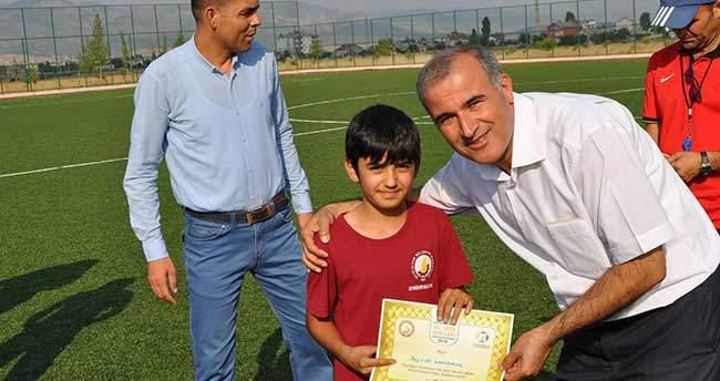 Seydişehir Belediyesi Yaz Spor Okulu Futbol Kursunu Tamamladı