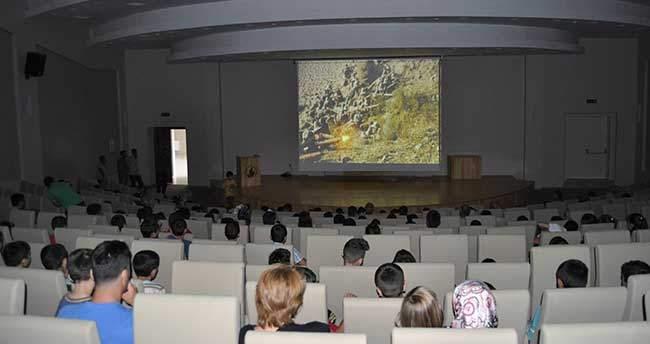 Seydişehir'de Yaz Spor Okulu Öğrencilerine Çanakkale Filmi
