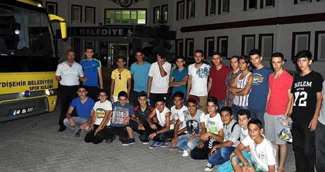 Seydişehir'den 20 öğrenci eğitim kampına gönderildi