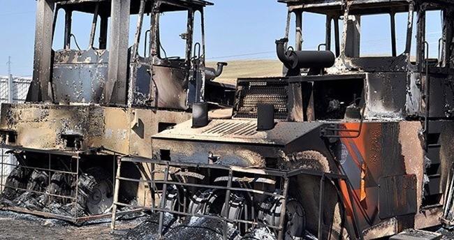 Teröristler üç kentte 37 iş makinesi yaktı