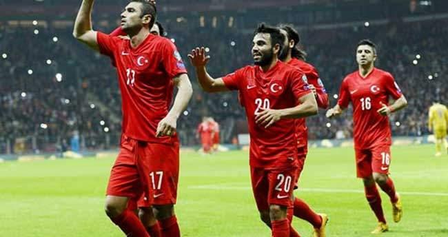 Türkiye-Letonya maçı biletlerinin gişe satışı başladı