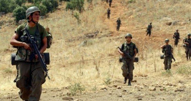 Yola bomba döşeyen 5 terörist öldürüldü