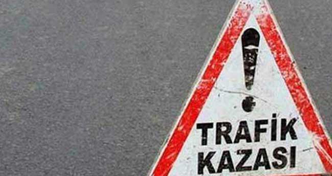 Konya'da hafif ticari araçla kamyon çarpıştı: 9 yaralı