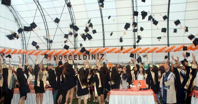 Yeni mezunlara maaş, her eve sigorta