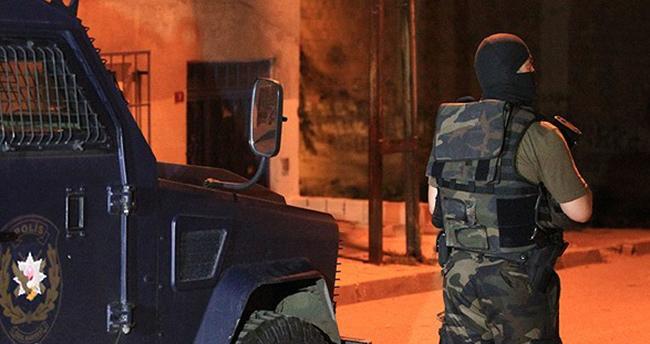 İstanbul'da terör örgütü operasyonu: 5 gözaltı