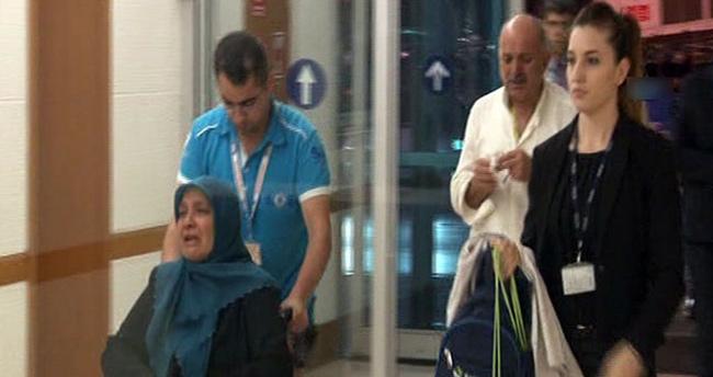 Şehit annesi Hac'dan tekerlekli sandalye ile döndü