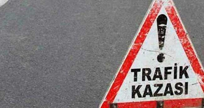 Konya'da otomobil köprülü kavşaktan düştü: 2 yaralı