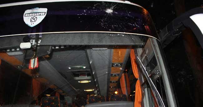 Manisaspor takım otobüsüne taşlı saldırı