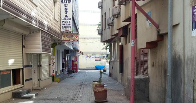 Sokağa çıkma yasağının devam ettiği Diyarbakır'dan ilk görüntüler