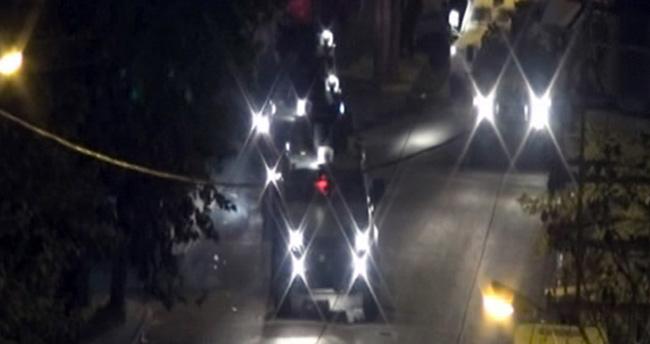 Diyarbakır'da barikat kuran teröristler polisle çatıştı!