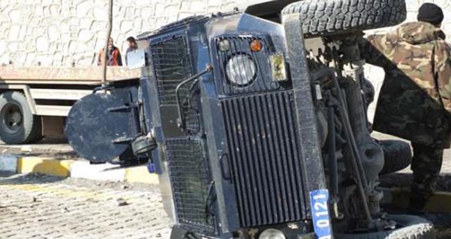 Muş'ta polisleri taşıyan araç kaza yaptı: 2 şehit