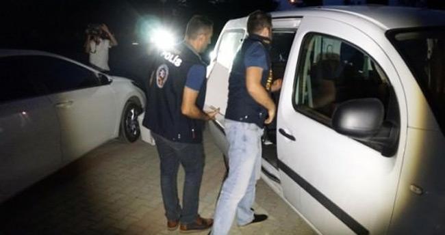 Eski cumhuriyet savcısı gözaltına alındı
