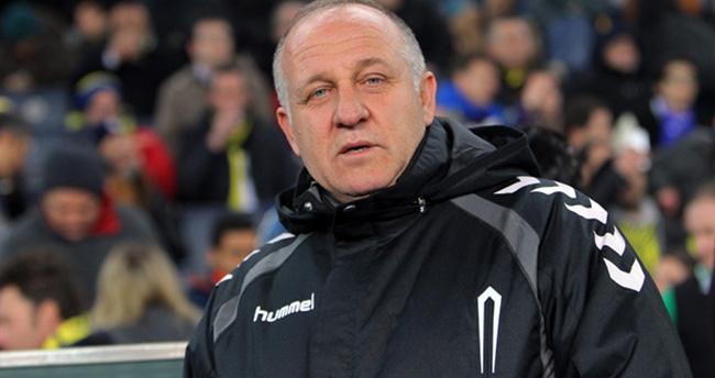 Mesut Bakkal istifa etti