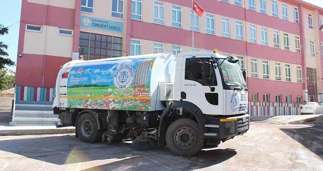 Beyşehir'de Okul Bahçelerinde Temizlik Çalışmaları Devam Ediyor