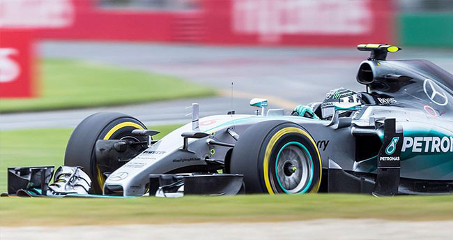 Japonya Grand Prix'sine Rosberg ilk sırada başlayacak