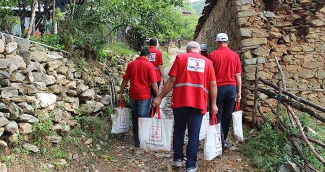 Türk Kızılayı 500 bin kişiye bayram sevinci yaşattı