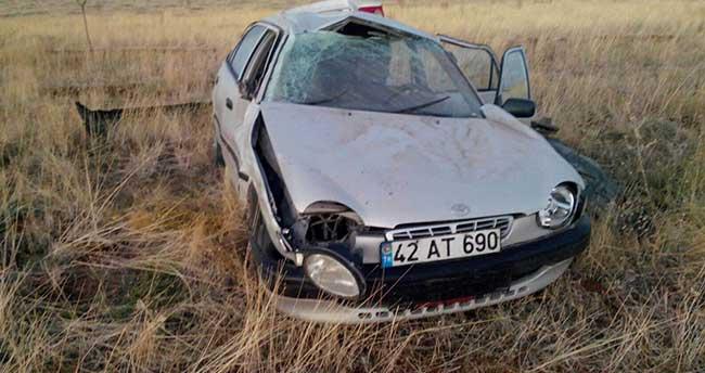 Beyşehir'de Otomobil Tarlaya Devrildi