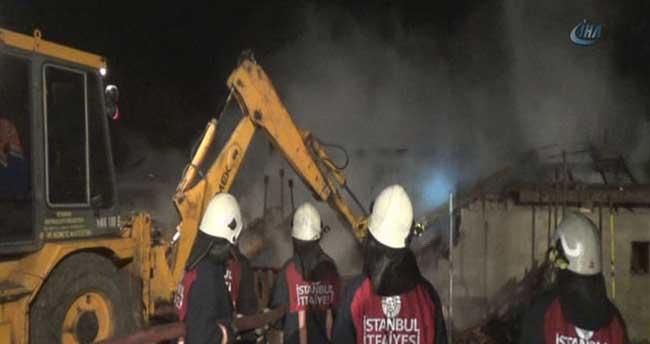 Samanlıktaki yangın 6 saatte söndürüldü