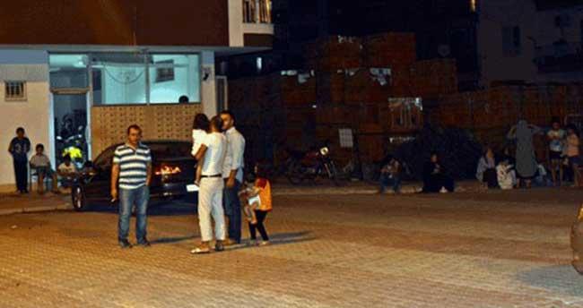 Antalya'daki deprem halkı sokağa döktü