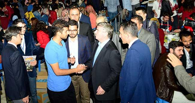 """Konya'da """"Gençler Bir Sofrada"""""""