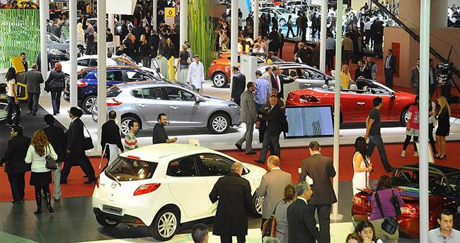 Dövizdeki artışa rağmen ithal araç satışı hız kesmedi