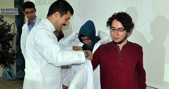 NEÜ Meram Tıp Fakültesinde Beyaz Önlük Giydirme Töreni