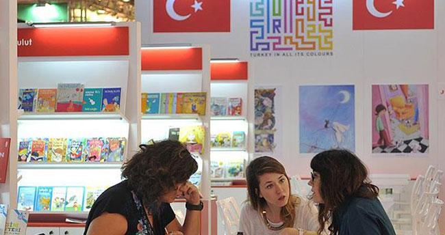 Frankfurt Kitap Fuarı'ndaki Türkiye ulusal standı törenle açıldı