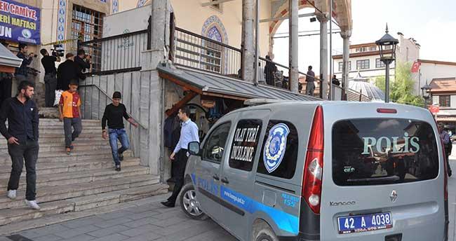 Konya'da bir kişi, cami avlusunda ölü bulundu