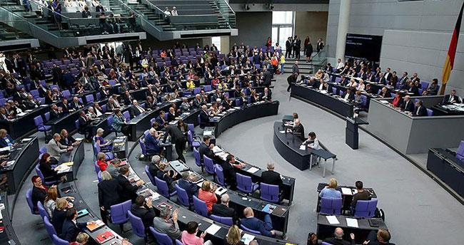 Almanya 'soykırım' iddialarını rafa kaldırdı
