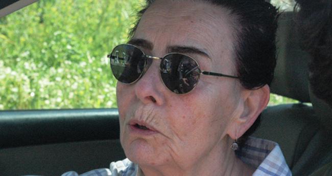Memduh Ün'ün hayat arkadaşı Fatma Girik büyük üzüntü yaşıyor