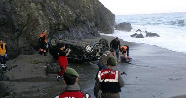 Otomobil 150 metreden sahile uçtu: 1 ölü, 1 yaralı
