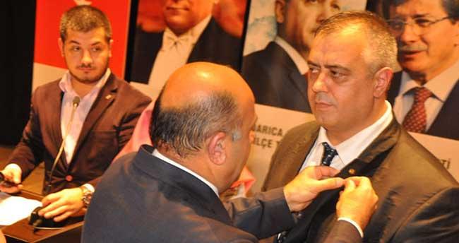 MHP'den istifa edip 150 kişiyle beraber AK Parti'den üye oldu
