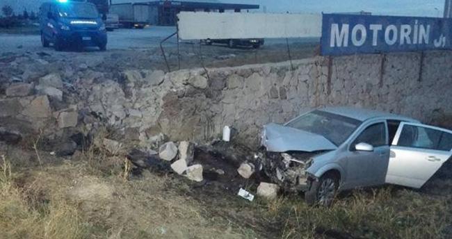 Konya'da Otomobil Yoldan Çıktı : 6 Yaralı
