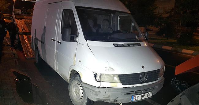 Akşehir'de Minibüs Motosiklete Çarptı: 1 Yaralı
