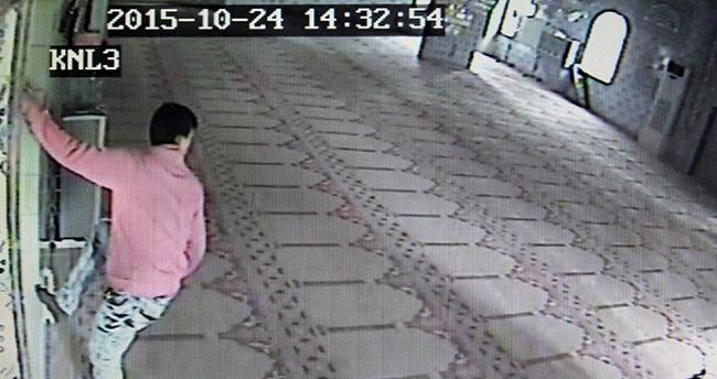 Konya'da Camiden Hırsızlık Güvenlik Kamerasında