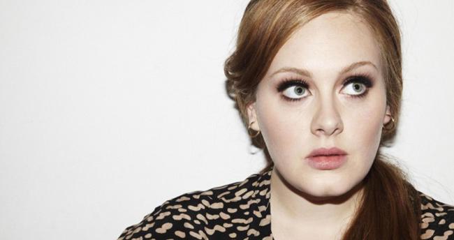 Adele rekor kırdı!