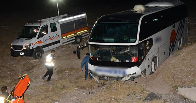 Aksaray'da otobüs şarampole yuvarlandı: 19 yaralı