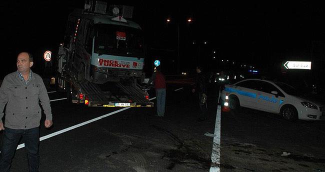 CHP'lileri taşıyan minibüs ciple çarpıştı: 19 yaralı