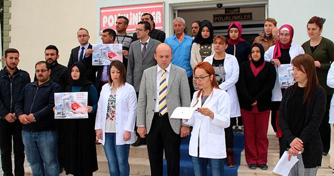 Yunak Sağlık Çalışanlarından Teröre Protesto