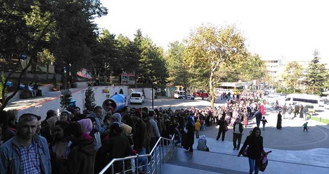Bursa'da Teleferikte Cumhuriyet İzdihamı