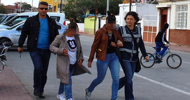 Konya'da tokalı kadın hırsızlar yakayı ele verdi