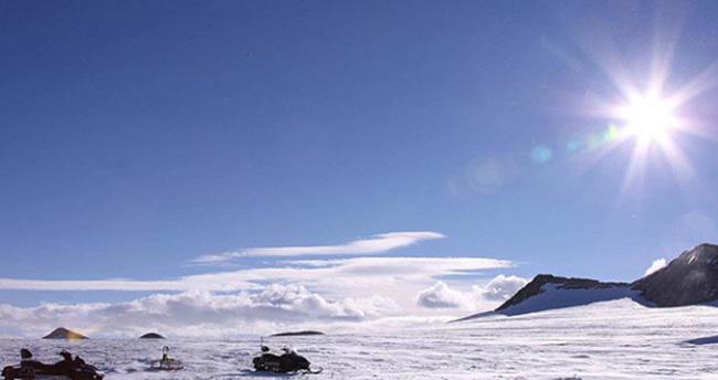 Antarktika'da Ozon Deliği Rekor Seviyede Genişledi