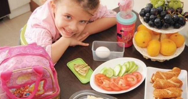 """Uzmanından Annelere """"Çocukları Okula Kahvaltısız Göndermeyin"""" Çağrısı"""